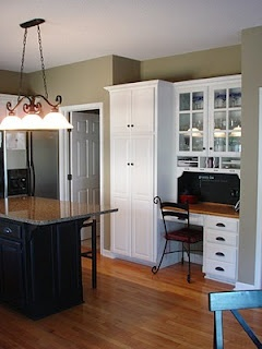 kitchen wall color - would look awesome with wood flooring, dark cabinets and stainless appliances