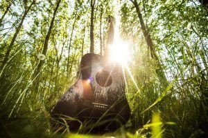 Curso completo de violão online Professor especialista em violão, musico profissional usa uma metodologia moderna e inovadora que transforma o modo como as pessoas aprendem . Curso completo e definitivo ,leia a resenha até o final no site e se surpreenda com a programação e qualidade deste curso .