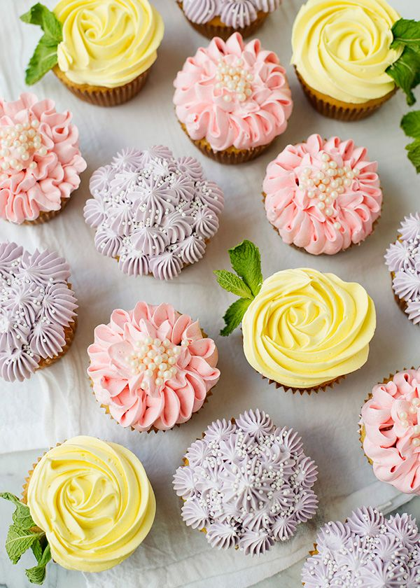 How to make beautiful spring flower cupcakes, roses, zinnias, and hydrangeas.
