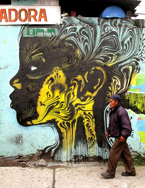 social change art in Bogota by Stinkfish