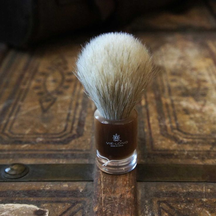 ACRYLIC SHAVE BRUSH  VL-13052  $29.99