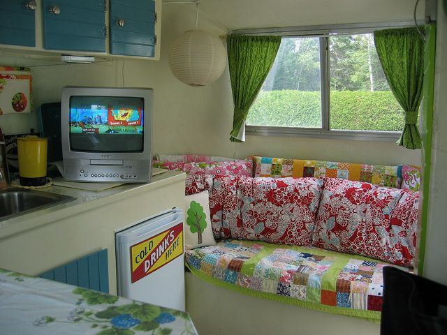 Camper- love the colors minus the tv