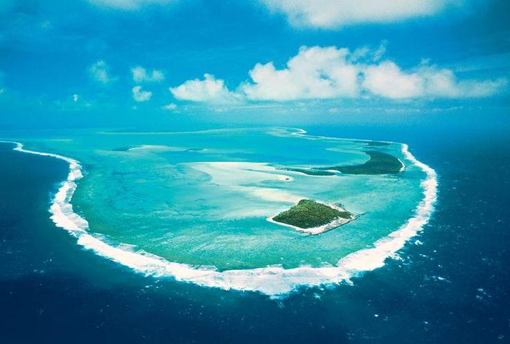 Visita la laguna de Aitutaki con Paul Gauguin Cruises. Estamos seguros que te enamorarás de este lugar. Mayor información: http://crucerosdeluxereps.com/cruceros-paul-gauguin