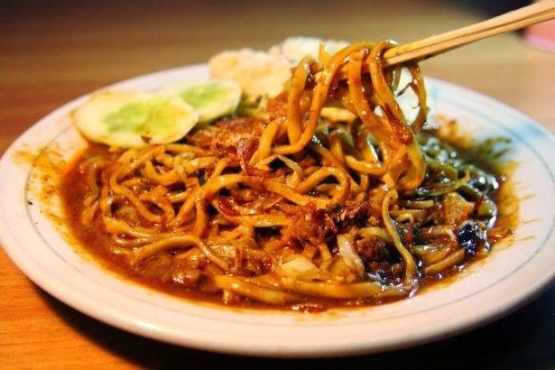 Resep cara membuat Mie Aceh - resep mie khas dari daerah aceh dengan mie tebal dan dicampur daging sapi/kambing,cara membuat mie aceh kering,