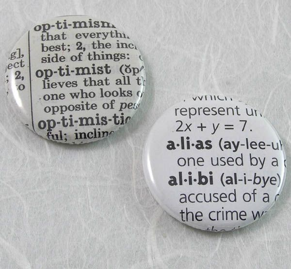 Nice idea.Diy Ideas, Crafts Gift, Buttons Choose, Fun Ideas, Dictionary Magnets I, Things, Magnets Choose, Pinback Buttons, Custom Dictionary