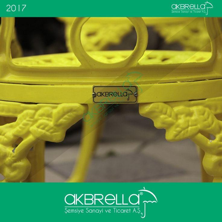 #bahçemobilyası @bahçemobilyaları Arkadan görünümlü Akbrella logo etiketli alüminyum döküm ferforje tipi bahçe sandalyesi