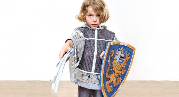 Comment faire un déguisement de chevalier ? http://www.prima.fr/mode-beaute/comment-faire-un-deguisement-de-chevalier/7922475/