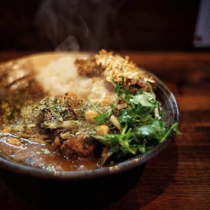 "75 Likes, 5 Comments - 口ボ山口ボ太郎(短足) (@buhi_taro) on Instagram: ""あいがけチキン5辛パクチー、うまし。 #lunch #curry #spice #tokyo"""