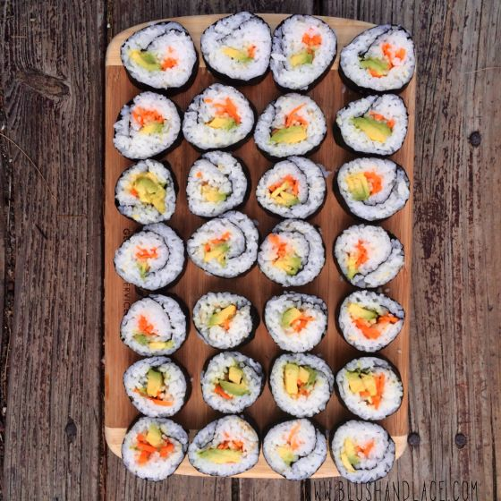 Easy Homemade Veggie Sushi, can customize this sushi and add any veggies or protein, use it as a raw till 4 dinner. #rawtill4 #vegan #sushi