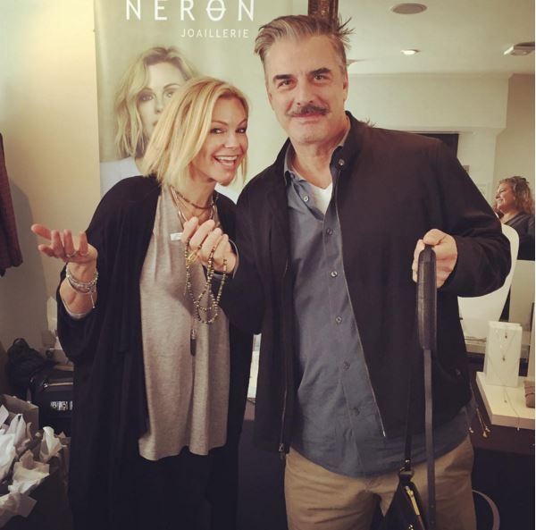 Chris Noth picking an Esprit Libre handbag for his wife   http://www.carolineneron.com/fr/sacs/sacsamain/sac-a-bandouliere-esprit-libre-175105.html