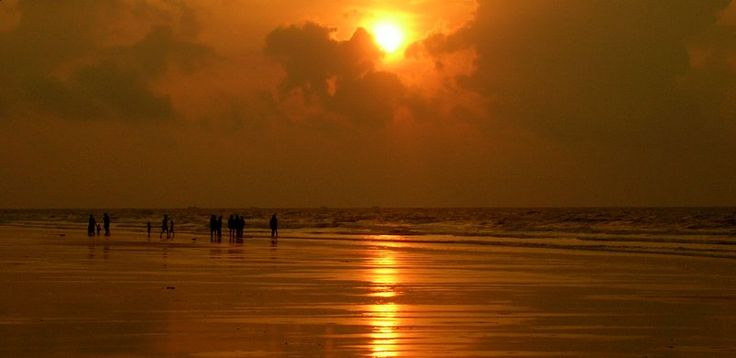 Digha,  the most popular beach in West Bengal.