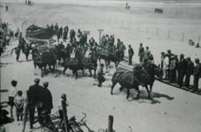 Terschelling, NL 1900 safetyboat with 12 Frisian horses