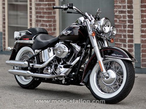 News moto 2011 : Harley-Davidson Softail Deluxe