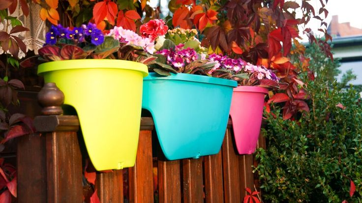 Balconia OVI - have a long railing on your balcony? Why don't you get our Balconia planters in multiple colors.