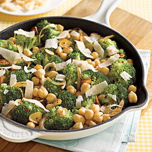 Easy vegetarian dinner: Fun Recipes, Sauteed Chickpeas, Easy Dinner, Parmesan, Broccoli, Dollar Dinner, Sauted Chickpeas, Meatless Monday, Sautéed Chickpeas