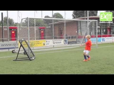 Juniorille hauskaa tekemistä kesäksi! Exit KickBack Rebounderit on hyvä treeniväline jalkapalloa harrastavalle juniorille! Tutustu ja tilaa osoitteessa: http://www.tasapeli.fi   #jalkapallo #futis #treenaaminen #harjoittelu #palautusseinät