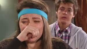 Claudia en pobre rico cuando freddy le cuenta que la martina esta embarazada de él :(