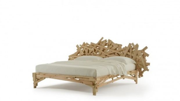 Favela Bed by Fernando e Humberto Campana for Edra. Entirely made of recyled wood.