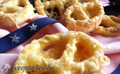 Omlós sajtos perec recept fotóval