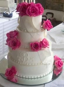 Decorate Cake With Real Roses : 17 Best ideas about Wedding Cake Fresh Flowers on ...