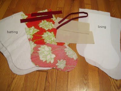 Christmas Stocking Tutorial @Noodlehead: Did you like this stocking?  Want to make one yourself? Well, I figured there are probably a lot of tutorials on how to make Christmas stockings, this one is the way I did it.  I like that it allows room for embroidering the name, what's a stocking without a name on it?