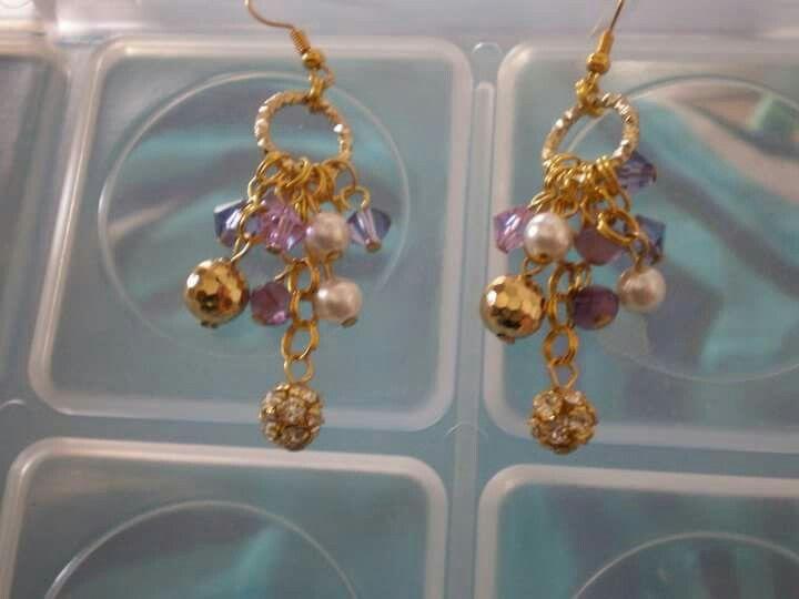 Orecchini con perle,swarovskini e componenti dorati