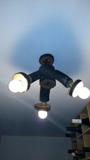 Lámpara de troncos