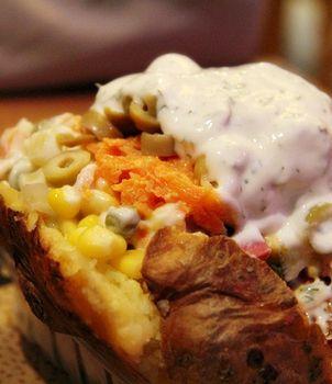 تحضير البطاطا المشوية على الطريقة التركية