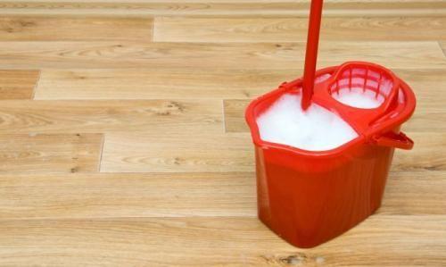 Cómo limpiar los pisos de madera y parquet. Tíos caseros