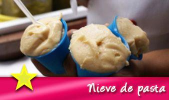 Hay muchas razones para visitar Pátzcuaro, una de ellas es la rica y tradicional Nieve de Pasta.