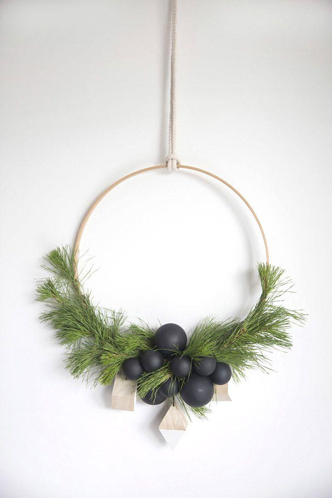 10 Simply Stunning Scandinavian Christmas Diy Decorations With Images Scandinavian Christmas Diy Scandinavian Christmas Decorations Minimalist Christmas