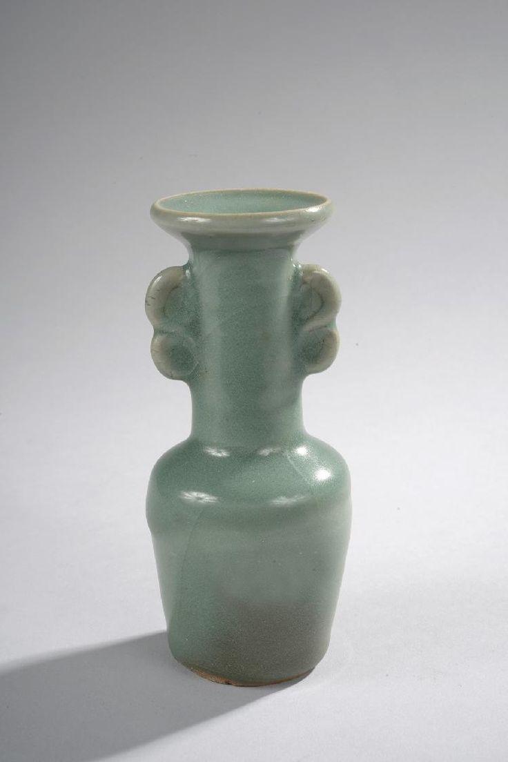 96 best images about chinese celadon on pinterest auction bottle vase and vase. Black Bedroom Furniture Sets. Home Design Ideas