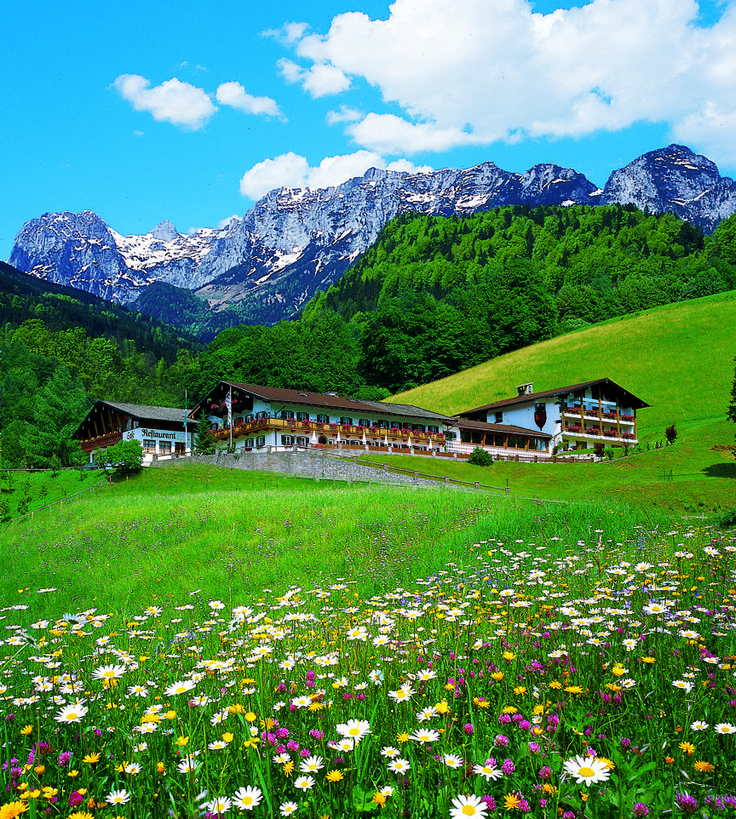 With these five ideas you will want to go grab your hiking boots and get going! (Picture: Berghotel Rehlegg, Germany)