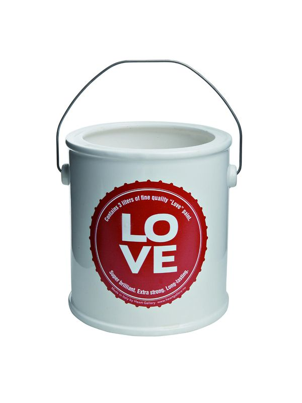 Uno stile unico per i vasi in ceramica colorati e personalizzati con etichette con messaggi positivi, con le parole Hope, Love, Happines e Joy, ravvivano ogni ambiente della casa o il giardino. Da utilizzare come vaso da appoggio è realizzato a mano, in Italia.Spedizione: 7 giorni