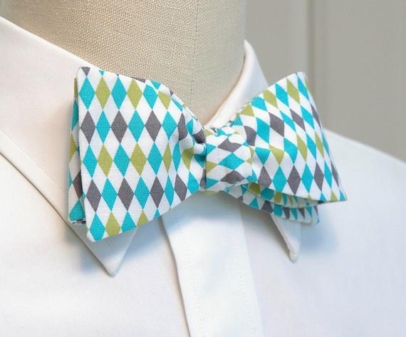 Boo's bow tie. I love it!