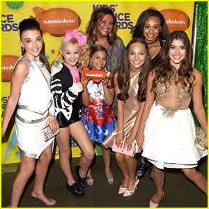 Maddie Ziegler & 'Dance Moms' Cast WIN at the Kids Choice Awards 2015