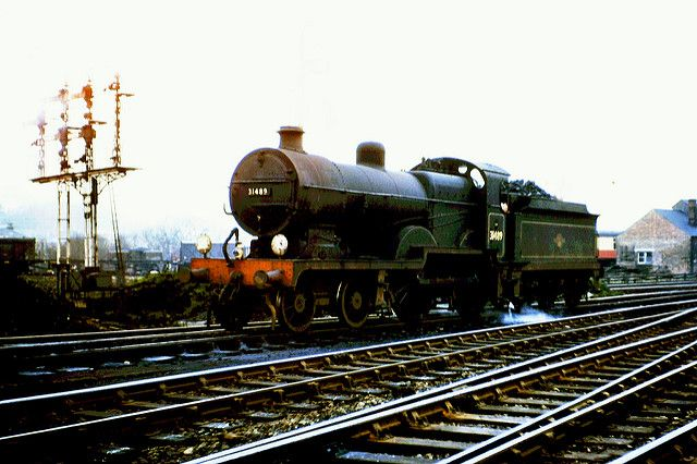 """SR. Maunsell """"D1"""" class 4-4-0 No. 31489. 