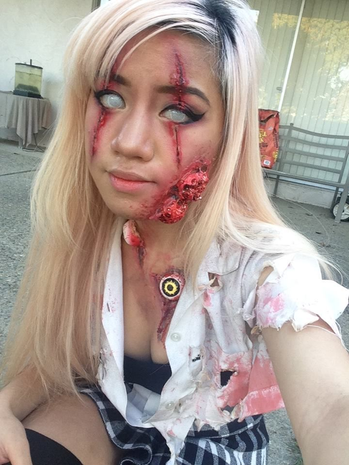 Blonde Zombie Face Makeup with Contact Lenses and Eyebrow Cut
