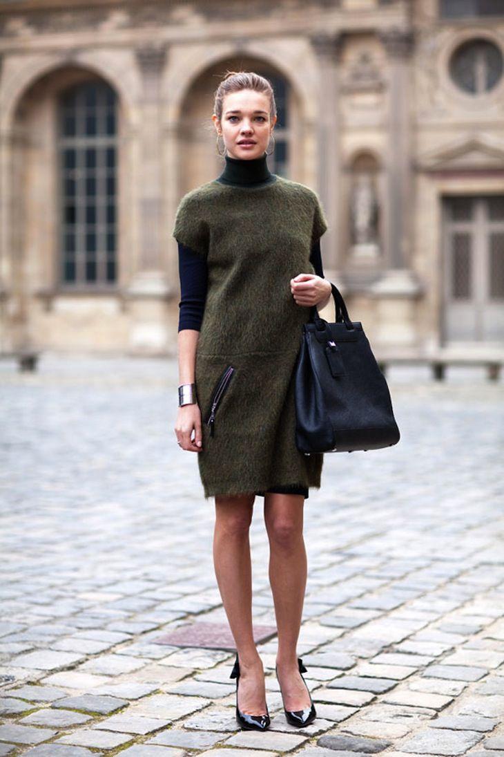 Теплое нерстяное повседневное платье цвета хаки