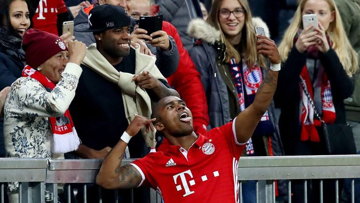 douglas costa tries to claim mats hummels's bayern munich jersey in hilarious Facebook comment