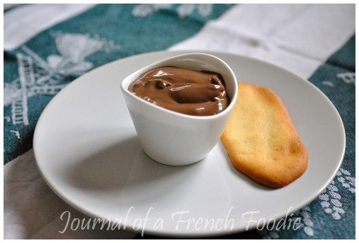 Danette is the name of a French dessert, commercialised since the 70s, that is extremely popular with children. It is one of those shop bought desserts that are part of every French kid's memories....