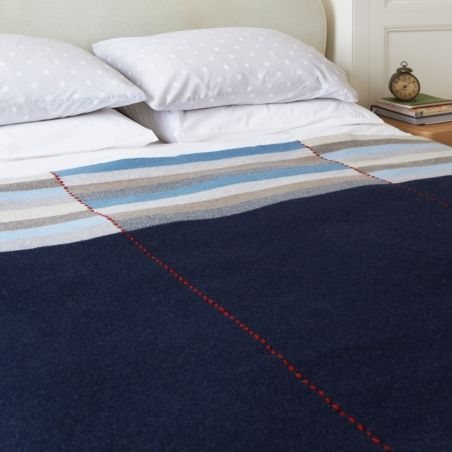 http://www.katiemawson.com/images/stories/virtuemart/product/resized/vista-navy-on-bed2.jpg