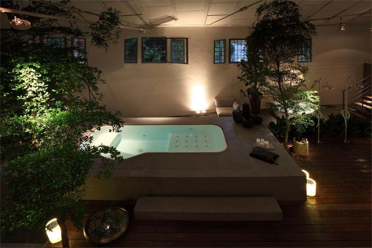 Este fin de semana toca modo zen. Piscina de interior que te transportará a momentos de relax y de paz interior. Diseña un ambiente definiendo un verdadero estilo de vida. #arquitectura #diseño #interiorismo