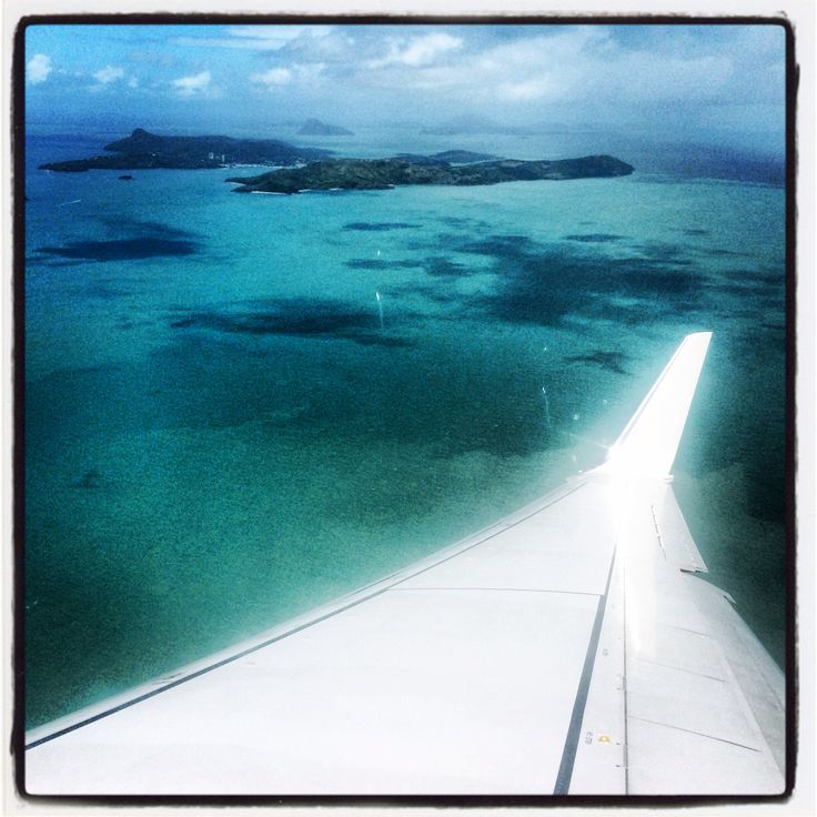 Flying into hamilton island :)