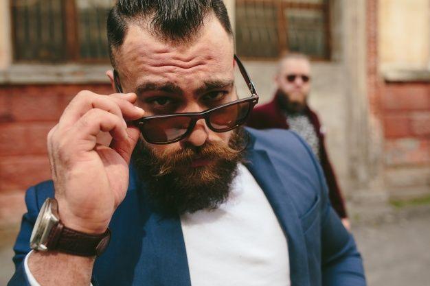 #BBGTip Si deas tener una barba bien tupida 👨💈 te recomendamos rasurarte siempre ya que esto incentiva el crecimiento del vello.