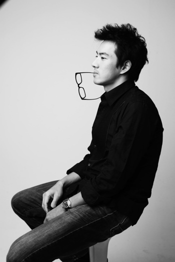 suka salah fokus sama bapak ini -  Song Il-gook