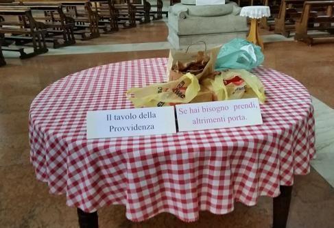 A Milano nella chiesa di Santa Maria delle Grazie al Naviglio Il tavolo della Provvidenza che non resta mai vuoto http://www.avvenire.it/Chiesa/Pagine/tavolo-della-provvidenza.aspx