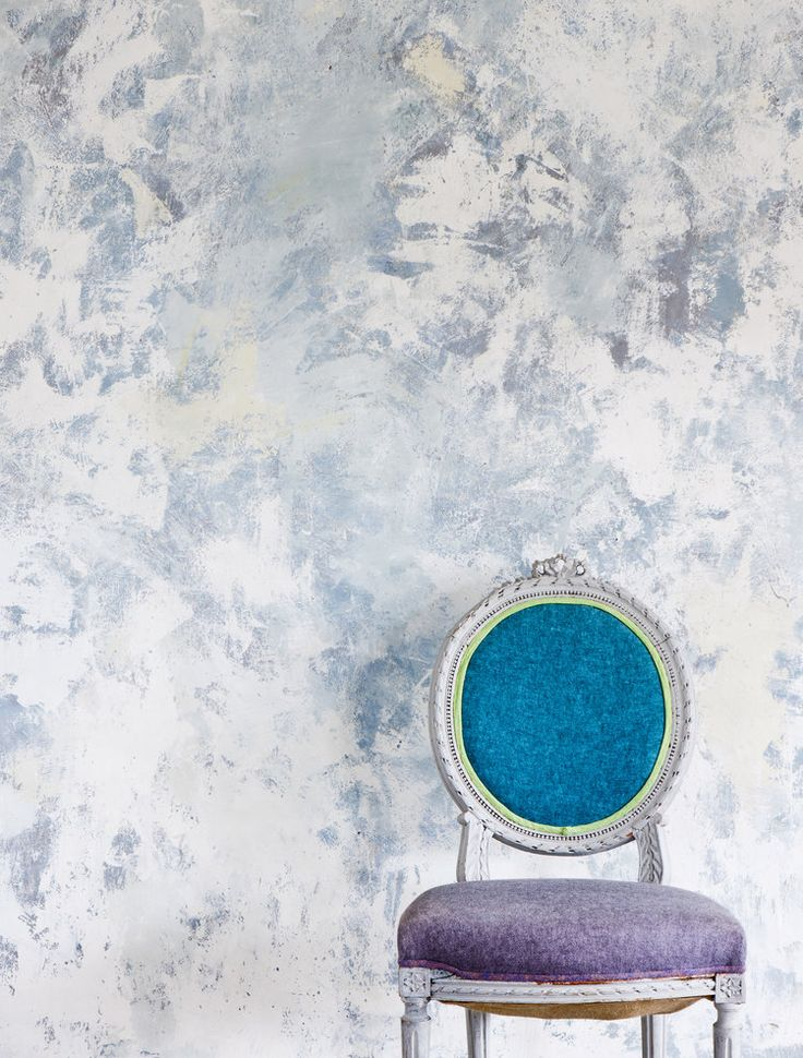 'Annie Sloan Paints Everything' will enable you to make over the walls, furniture, fabric, floors (and more!) of your home to create the stylish, individual interior you have always wanted. | HeartHome magazine