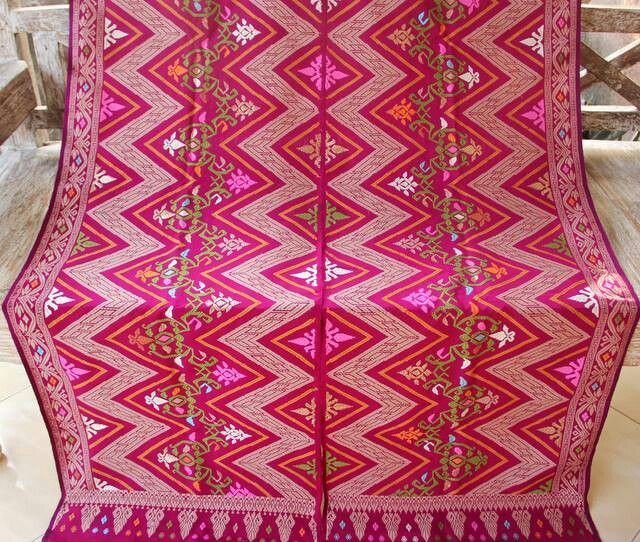 in love with this drop-dead gorgeous songket Bali like never before