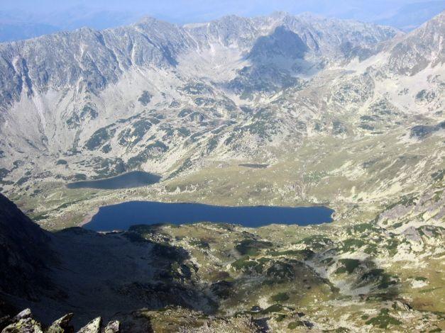 De la ce vine numele Carpaţilor? Misterele munţilor care acoperă o treime din România: tuneluri secrete, statui inexplicabile şi recorduri impresionante | adevarul.ro